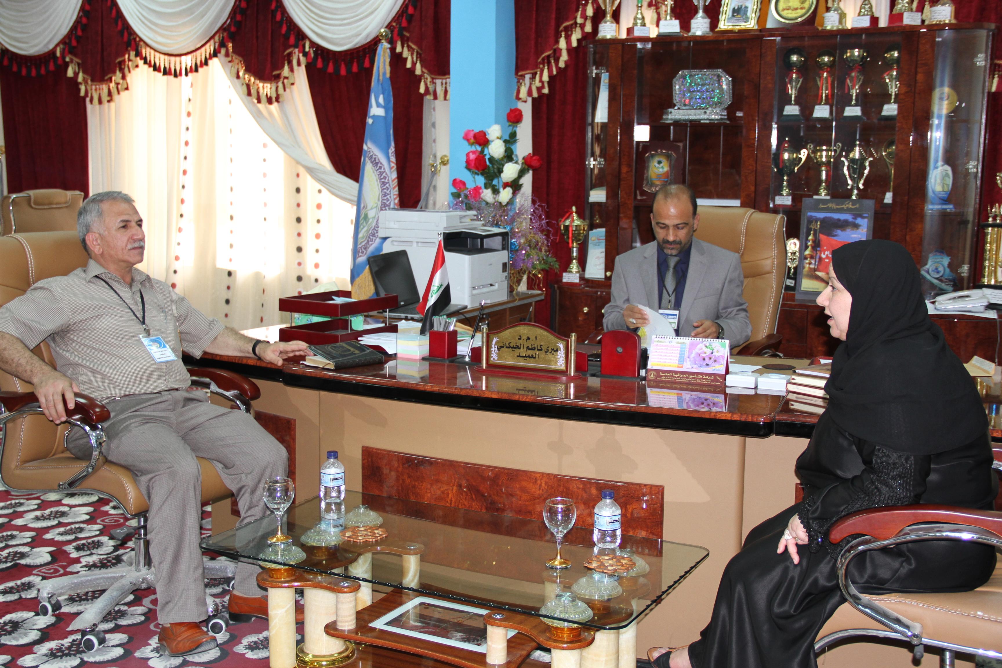 زيارة السيدة مساعد رئيس الجامعة للشؤون العلمية