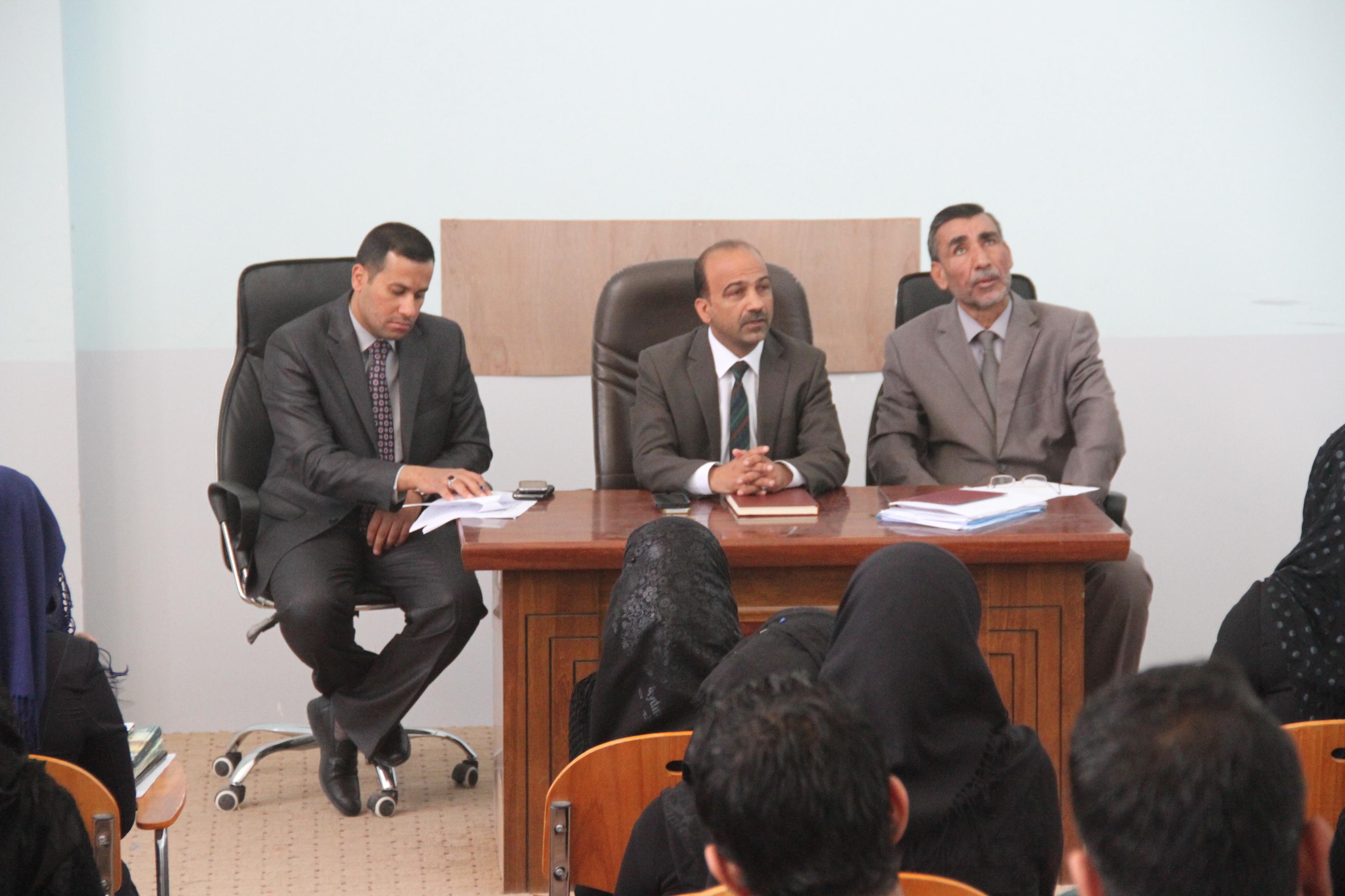 اجتماع السيد عميد كلية القانون بطلاب المرحلة الثالثة
